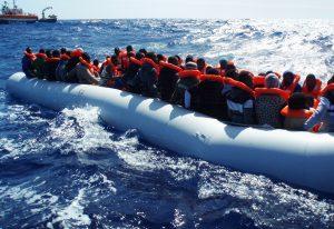 Boot 2: 120 Menschen